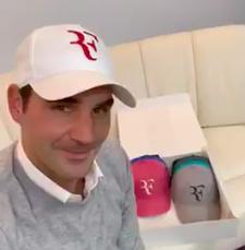 comodidad Asimilar Presunto  Uniqlo ya comercializa ropa con el logo 'RF' de Roger Federer | Puntodebreak