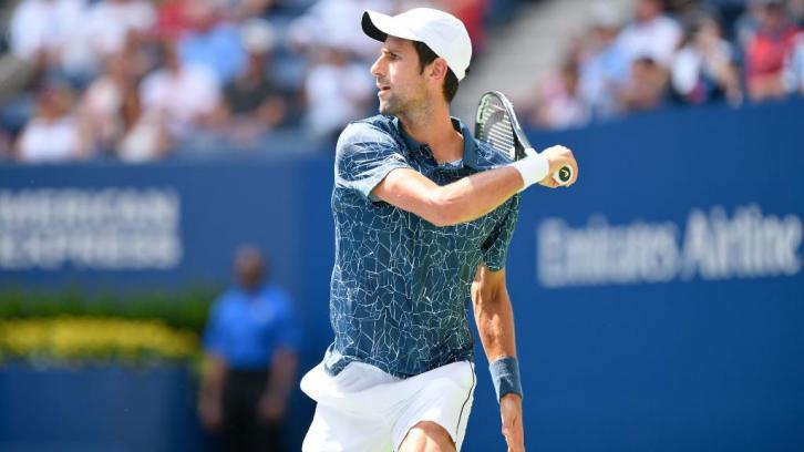 Djokovic supera a Sandgren y pasa ronda