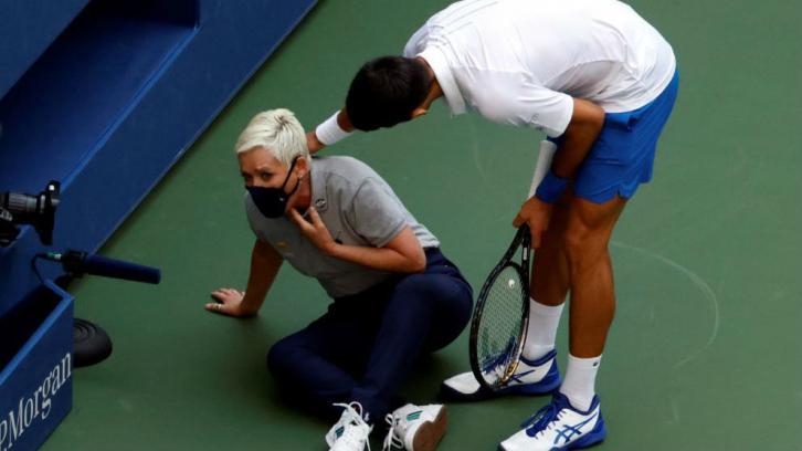 Djokovic Pide A Sus Fans Que Apoyen A La Juez De Linea Ella No Ha Hecho Nada Malo Puntodebreak