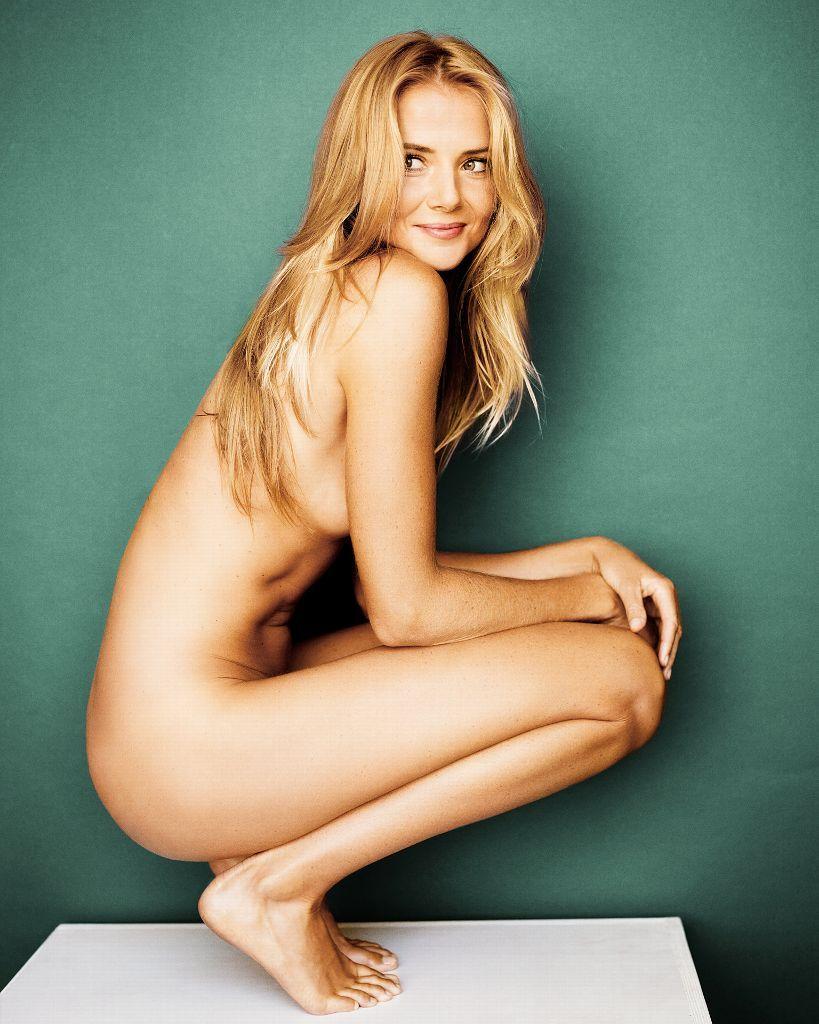 Filman desnuda a periodista de ESPN - ejutv