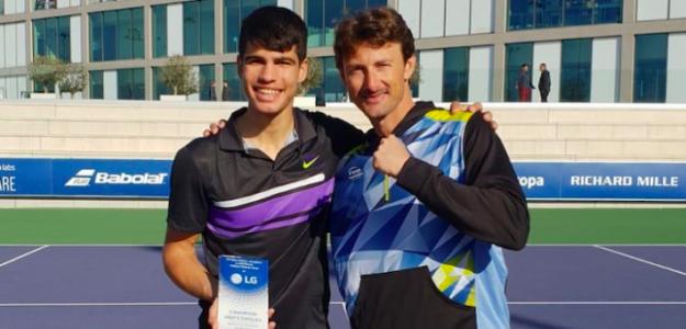Alcaraz y Ferrero con uno de los trofeos levantados este año. Fuente: Equelite