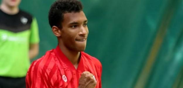Enorme victoria para el joven canadiense ante su ídolo Roger Federer. Foto: Getty