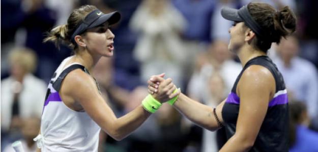 Belinda Bencic y Bianca Andreescu a la finalización del duelo. Fuente: Getty