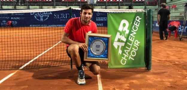 Bernabé Zapata con su título en Cordenons. Fuente: ATP Challenger Tour