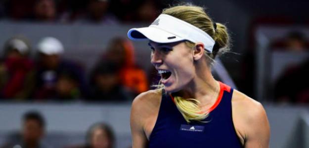 Caroline Wozniacki levanta el trofeo en Beijing. Fuente: Getty