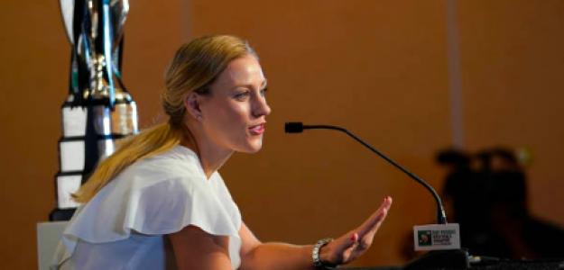 Angelique Kerber responde a los periodistas en sala de prensa. Fuente: Getty
