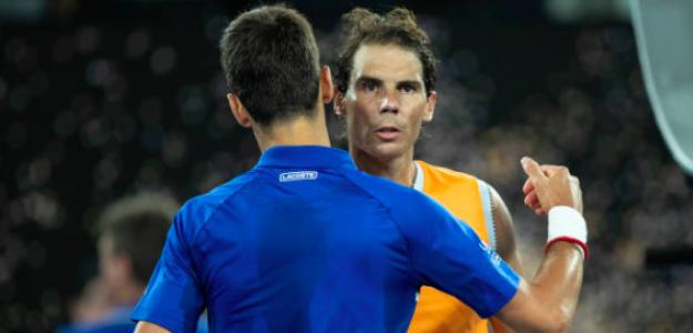 El abrazo entre Djokovic y Nadal. Fuente: Getty