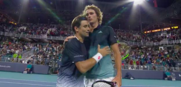 El abrazo entre Ferrer y Zverev. Fuente: TennisTV