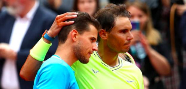 Thiem y Nadal se abrazan en la red. Fuente: Getty