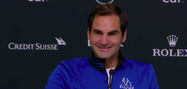 Roger Federer, feliz tras su victoria en dobles. Fuente: Laver Cup