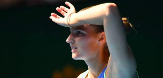 Karolina Pliskova, fuera del Open de Australia. Fuente: Getty