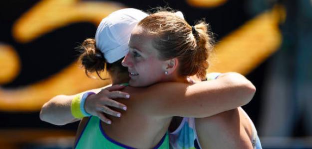 El abrazo entre Barty y Kvitova. Fuente: Getty