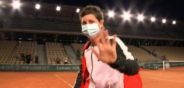 Carla Suárez dijo adiós a Roland Garros. Fuente: Eurosport TV