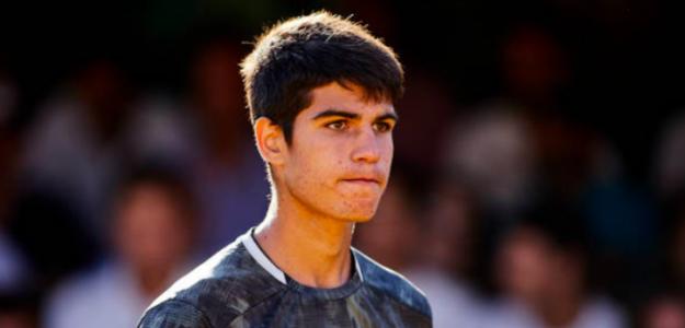 Carlos Alcaraz disputando un Challenger. Fuente: Getty