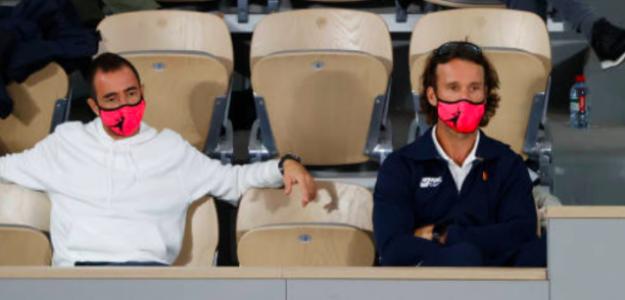 Rafael Maymó y Carlos Moyá en la Philippe Chatrier. Fuente: Getty