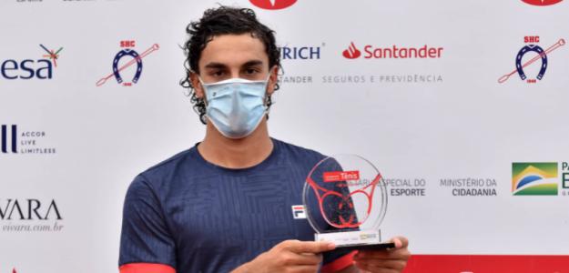 Francisco Cerúndolo, con el título de campeón en Campinas. Fuente: Joao Pires