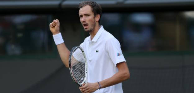 Daniil Medvedev remonta a Cilic en Wimbledon 2021. Foto: gettyimages