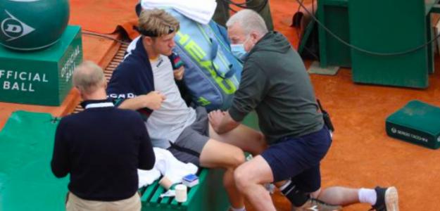 Alejandro Davidovich tratándose de su lesión. Fuente: Getty