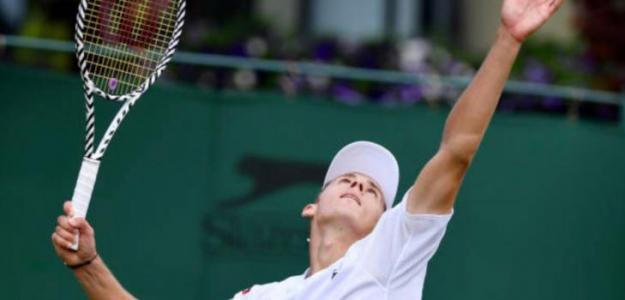 El joven 'aussie' debutó con pasó firme y sin ceder mangas en Wimbledon 2019.