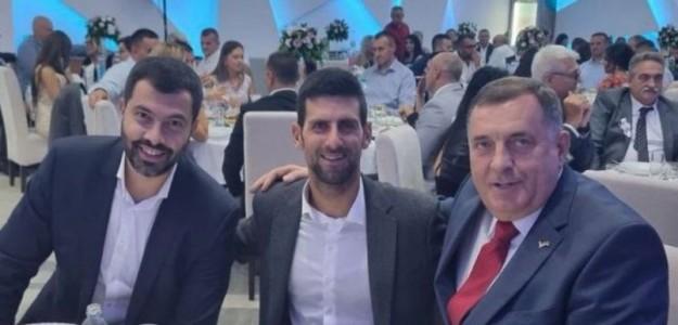 Djokovic junto a Milorad Dodik, ex 1º Ministro de la República Srpska