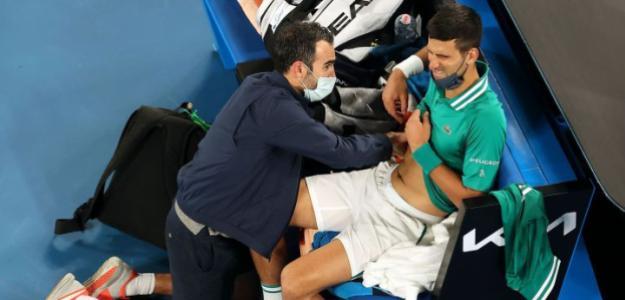 """""""No conozco a nadie con una rotura así que pueda golpear a la bola"""". Lesión de Djokovic. Foto: Getty"""