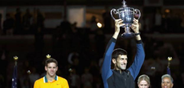 Novak Djokovic levantando el título de campeón del US Open. Foto: Getty