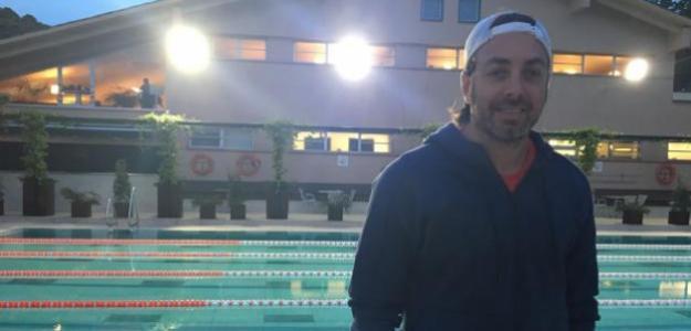 Nicolás Massú en la piscina del RCTB 1899. Fuente: Fernnado Murciego