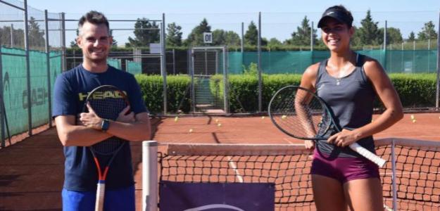 César Fábregas junto a Eva Guerrero. Fuente: Equelite
