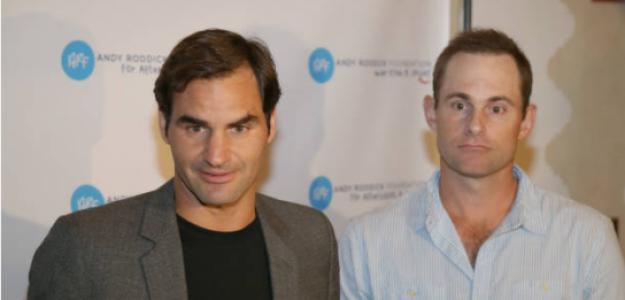 Roger Federer y Andy Roddick. Fuente: Getty