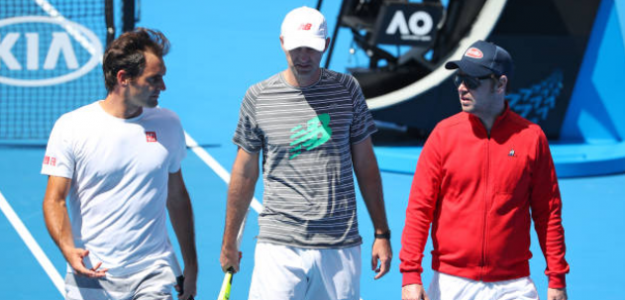 Roger Federer junto a Ljubicic y Luthi en Australia. Foto: Getty