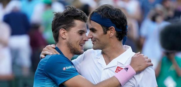 Dominic Thiem y Roger Federer. Foto: Getty