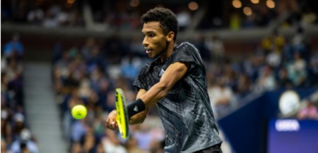 Félix Auger-Aliassime alaba a Carlos Alcaraz en US Open 2021. Foto: gettyimages