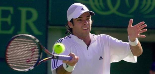Fernando González y su golpe de derecha. Fuente: Getty