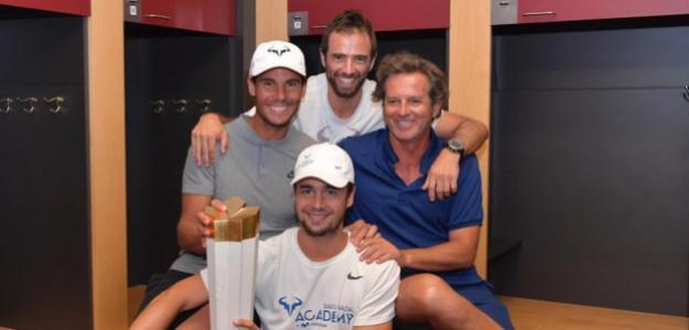 Rafa Nadal celebra con su equipo el título en Canadá. Fuente: ATP