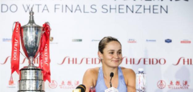 Barty, con el título de campeona en las WTA Finals de Shenzhen. Fuente: Getty