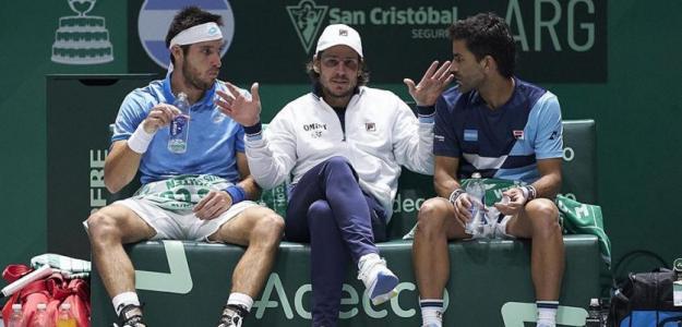 Gastón Gaudio charlando con González y Mayer. Fuente: Getty