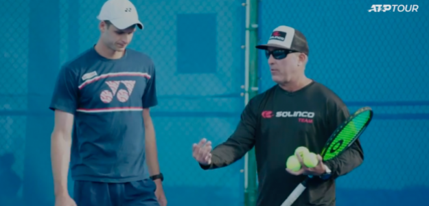 Hubert Hurkacz junto a Craig Boynton. Fuente: ATP