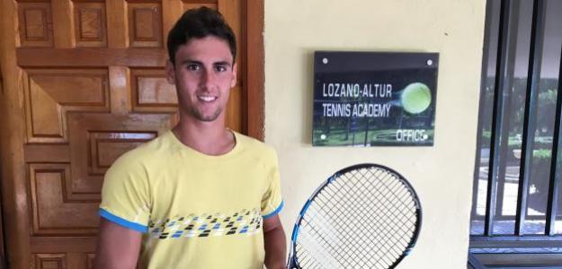 Taberner en la Academia Lozano-Altur.