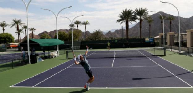 Andy Murray practica en las pistas de entreno de Indian Wells. Fuente: Getty