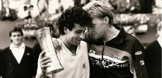 Juan Aguilera y Boris Becker en la final de Hamburgo 1990.