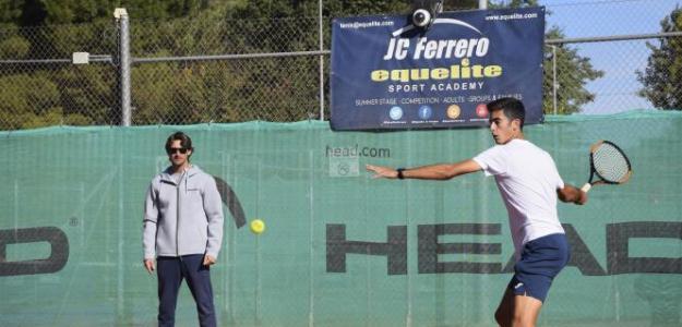 Juan Carlos Ferrero durante un entrenamiento. Fuente: Equelite