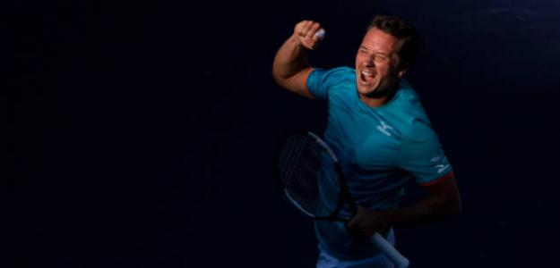 Kohlschreiber, contento tras ganar a Djokovic. Foto: Getty