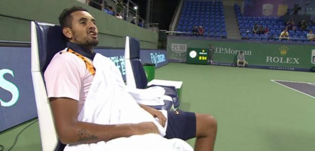 Kyrgios durante su discusión con el umpire. Foto: TennisTV