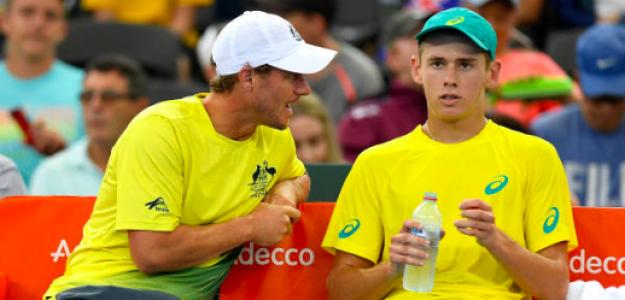Lleyton Hewitt y Alex De Minaur durante una serie de Copa Davis. Fuente: Getty