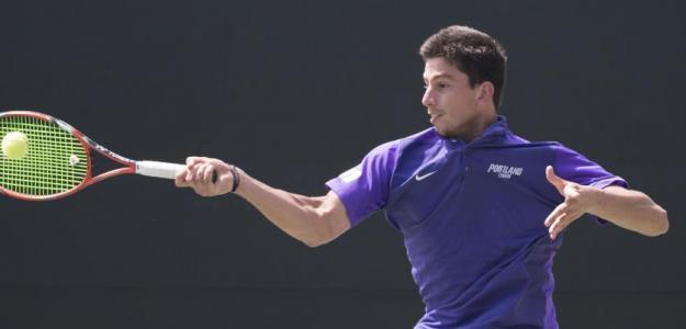 Michail Pervolarakis, jugador griego promesa tenis universitario. Foto: gettyimages