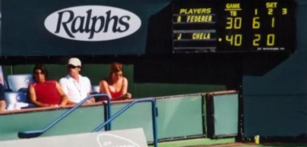 Rafa Nadal, sentado en el box de Federer cerca de Mirka, en Indian Wells 2004. Foto: @Rafa_Minato99