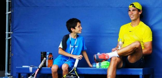 El gesto que habla de la verdadera bondad y humanidad de Rafa Nadal. Foto: AP
