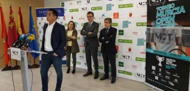 Nico Almagro, anunciando su retirada. Foto: Murcia Club de Tenis
