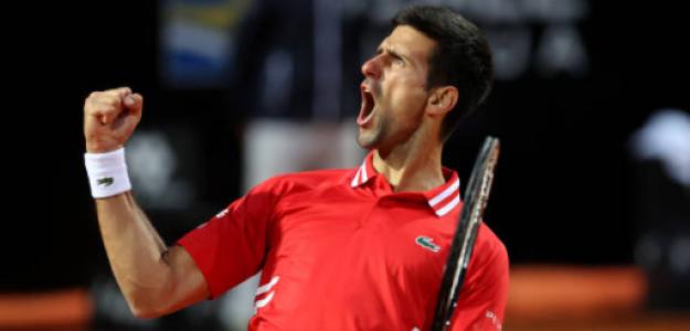 "Djokovic: ""Rafa y yo nos reímos tras ganarle a Tsitsipas. Los viejos aun no se rinden"""