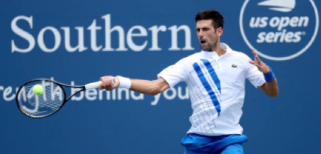 Novak Djokovic habla tras ganar a Roberto Bautista. Foto: gettyimages